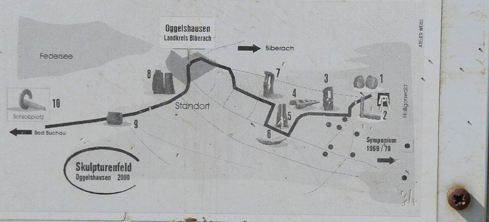 Hinweisschild Skulpturenfeld - Foto ivk /Karte Atelier Weiss