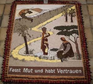 Erntedankteppich in der Wallfahrtskirche Mariä Himmelfahrt in Steinhausen Rottum