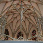 Chorraumdecke und Kreuzigungsgruppe Nicolaikirche Isny